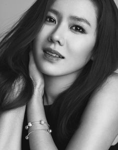 Danish jewelry brand Pandora has chosen the elegant Son Ye Jin to showcase its new collection. I could express the loftiest descriptions about the actress' look, but I'll just let these… Korean Actresses, Korean Actors, Actors & Actresses, Korean Beauty, Asian Beauty, Korean Girl, Asian Girl, Asian Celebrities, Beauty Shots