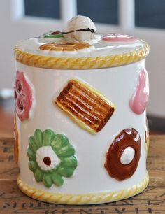 Biscuit Cookie Jar