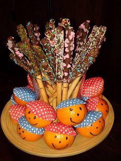 Soepstengel met chocolade en vrolijke versiersels.
