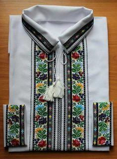 Вишиванка, чоловіча вишита сорочка (Арт. 01876)