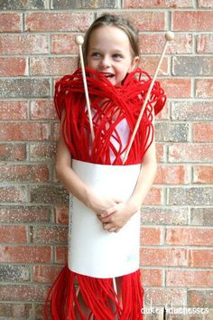 15 funny Halloween costume ideas for kids to do it yourself .- 15 witzige Halloween Kostüm Ideen für Kinder zum Selbermachen 15 funny Halloween costume ideas for children to make yourself – ball of wool – children& costume - Diy Halloween Costumes For Kids, Cute Costumes, Costumes For Women, Costume Ideas, Costume For Kids, Halloween Suits, Zombie Costumes, Halloween Couples, Kids Costumes Boys