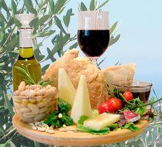 vino, olio, formaggi, salumi simboli di qualità della cucina toscana