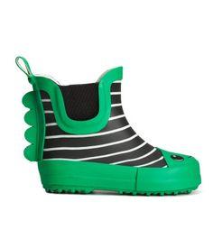 The cutest dinosaur rain boots for boys and little girls. Boy toddler rubber rain boots #green
