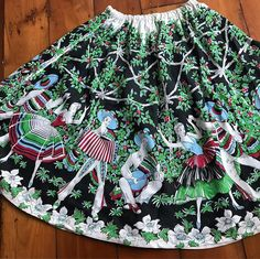 Found in the wild today! Novelty Fabric, Novelty Print, Fifties Fashion, Border Print, Rock, Vintage Fabrics, Printed Skirts, Sustainable Fashion, New Dress