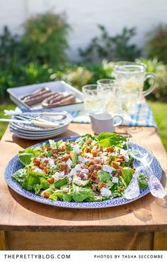 bacon and danish feta salad. Summer salad with avo bacon danish feta croutons peas and a luxurious green goddess dressing!Avo bacon and danish feta salad. Summer salad with avo bacon danish feta croutons peas and a luxurious green goddess dressing! Braai Recipes, Wine Recipes, Cooking Recipes, Kos, Braai Salads, South African Recipes, Feta Salad, Vegetable Salad, Healthy Salad Recipes