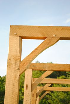 Timber frame for a pavilion in our town Timber Buildings, Modern Rustic Homes, Wood Joints, A Frame House, Timber Frame Homes, Post And Beam, Log Homes, Joinery, Architecture Details