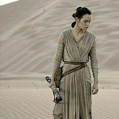Rey // Star Wars The Force Awakens
