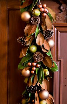 Magnolia leaves, pinecones and berries