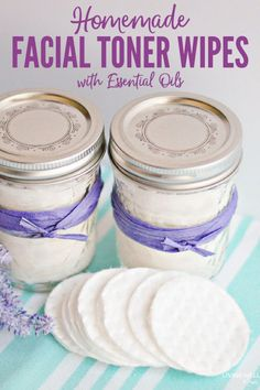 diy beauty How to make easy DIY facial toner pads with essential oils and natural ingredients for refreshing skin care - quick and easy to make, plus which essential oils work the best for different skin types Homemade Facials, Homemade Skin Care, Homemade Beauty Products, Diy Skin Care, Skin Care Tips, Homemade Spa Treatments, Homemade Eye Cream, Homemade Body Butter, Natural Treatments