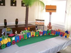 Resultado de imagem para TREM DE PAPELÃO Kids Crafts, Diy Playground, Creative Kids, Activities For Kids, Kids Rugs, India, Party, Ball Birthday, Cardboard Train