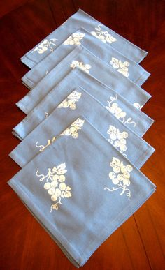 Dinner Napkins Wedgwood Blue White Grapes Moda Set Of 4 Unused