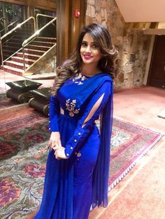 Indian Fashion Dresses, Pakistani Dresses, Fashion Outfits, Kurta Designs, Saree Blouse Designs, Eastern Dresses, Kurti Sleeves Design, Frocks For Girls, Designs For Dresses