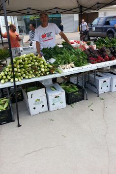 Check out the Downtown Windsor Farmers Market this You could find plenty of great products for your meal! Organic Market, Eating Organic, Farmers Market, Windsor, Archive, Meal, Events, Check, Products