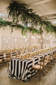 Are we the only ones obsessed with the gold accents of this Nautical theme wedding?
