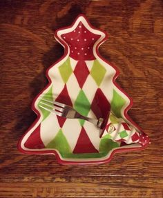 CHRISTMAS TREE TIDBIT SNACK PLATE w/ MATCHING FORK RED GREEN WHITE CERAMIC #Youngs