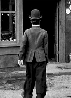 Lady Stardust Soul — Chaplin was the Heroe of my Childhood ! Charlie Chaplin Videos, Gif Terror, Charles Spencer Chaplin, Photo Star, Movie Gifs, Classic Comedies, Laurel And Hardy, Moving Pictures, Silent Film