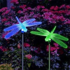 Decorate your garden with this solar lawn light! Perfect as path lights and in-ground lights. Easy installation: No wiring or external electricity required for