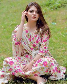 Cute Girl Pic, Cute Girls, Beautiful Asian Girls, Simply Beautiful, Special Girl, Cute Faces, India Beauty, Beauty Women, Floral Tops
