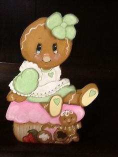 HP GINGERBREAD ~ SWEET GINGERBREAD ON A CUPCAKE!!