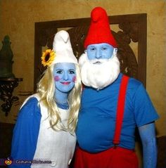 So fun and well done Papa Smurf & Smurfette couple's Costumes!  ||  #Halloween #costume