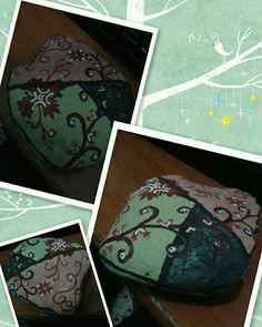 #rockpainting #stonepainting #rockpainting #paintedrock #paintedpebble #paintedstone #art #stoneart #rockart #pebbleart