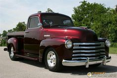 Really like the #red color! What a beautiful #ClassicTruck