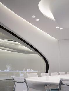 Roca-London-Gallery-Zaha-Hadid
