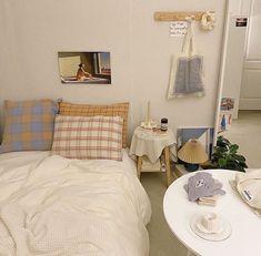 Mediterranean Home Interior Room Ideas Bedroom, Bedroom Decor, Style Deco, Minimalist Room, Aesthetic Room Decor, Cozy Room, Dream Rooms, My New Room, House Rooms