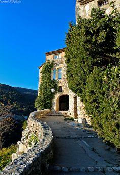 Tourrettes sur Loup, Provence * www.rebonjourlafrance.com #rebonjourlafrance
