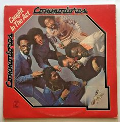 COMMODORES [LP] CAUGHT IN THE ACT (VINYL 1975 MOTOWN RECORD) E5RS-7515-2
