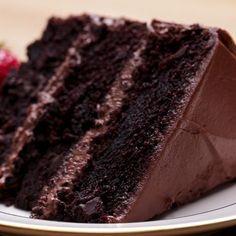 The Ultimate Chocolate Cake // #cake #chocolate #dessert #tasty