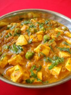 Matar Paneer is a simple North Indian food recipe prepare with green peas and cottage cheese that are cooked in a creamy tomato based curry. Goes well with roti and naan. (Matar means peas and paneer means cheese) Mattar Paneer Recipe, Paneer Recipes, Veg Recipes, Curry Recipes, Indian Food Recipes, Asian Recipes, Cooking Recipes, Ethnic Recipes, Andhra Recipes