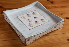 Aiwenores Decoupage Crafts. This cupcake tray is super cute. I could do that!
