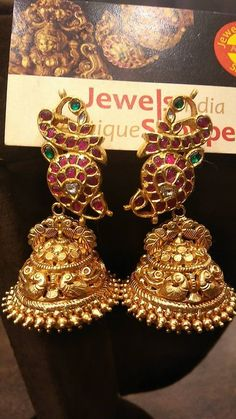 Looking for temple jewellery jhumka designs? Here are our picks of 17 designs and where you can shop them online! 14k Gold Jewelry, Gold Jewellery Design, Sea Glass Jewelry, Bridal Jewelry, India Jewelry, Temple Jewellery, Cheap Jewelry, Cute Jewelry, Jewlery
