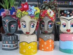 Plan flower pots with recycled plastic bottles - Plan flower pots with recycled plastic bottles # flower pots bottle - Plastic Bottle Planter, Plastic Jugs, Plastic Bottle Flowers, Plastic Bottle Crafts, Recycle Plastic Bottles, Recycled Garden Art, Recycled Decor, Recycled Crafts, Diy Home Crafts