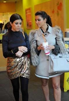 Kourtney Kardashian Photo - Kim and Kourtney Kardashian at Jamba Juice