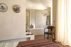 Une bergerie en Corse : une salle de bains pour se délecter