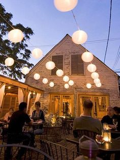 Best Alfresco Dining in Chicago - Volo in Roscoe Village