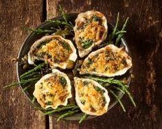 Huîtres farcies au beurre d'escargot : http://www.cuisineaz.com/recettes/huitres-farcies-au-beurre-d-escargot-90320.aspx
