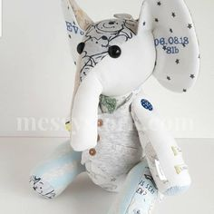 How to Sew a Memory Bear - photo tutorial for Charlie Bear - Messy Stork Keepsakes Teddy Bear Patterns Free, Craft Eyes, Charlie Bears, Bear Photos, Elephant Pattern, Crafty Craft, Hobbies And Crafts, Sewing Projects, Dinosaur Stuffed Animal