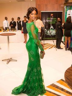 Vert de Trèfle Sirène/Trompette Col montant Manches longues Appliqués Longueur ras du sol Satiné Robes pour 668,10€
