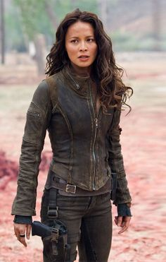 Character Inspiration - Kate (Moon Bloodgood as Blair Williams, Terminator Salvation) Moon Bloodgood, Apocalypse Fashion, Post Apocalypse, Zombie Apocalypse Outfit, Film Science Fiction, Blair Williams, Post Apocalyptic Fashion, Post Apocalyptic Clothing, Jamie Chung