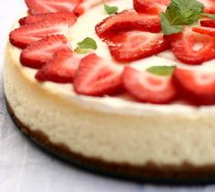Delicious low-fat #strawberry_cheesecake.  Click For Recipe