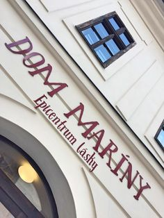 Bank of Love, Epicenter of love in Banská Štiavnica, Slovakia / Dom Maríny - Epicentrum Lásky - Banská Štiavnica Traveling, Blog, Viajes, Blogging, Trips, Travel