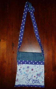 Bolso pintado a mano y confeccionada con telas recicladas