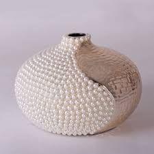 Imagem relacionada Bottle Painting, Bottle Art, Bottle Crafts, Mosaic Pots, Mosaic Tiles, Glass Floor Vase, Pearl Crafts, Decorated Wine Glasses, Cardboard Crafts