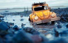 Fotógrafo utiliza miniaturas de carros para registrar lindas fotos ao redor do mundo. Miniature Photography, Photography Photos, Travel Photography, Micro Photography, Amazing Photography, Car Places, Car Photographers, Miniature Cars, Foto Instagram