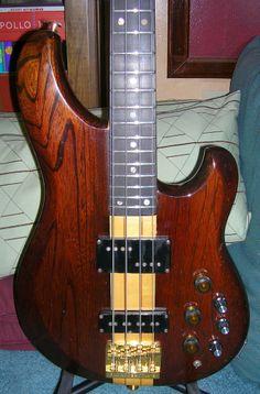 1982 MC924 Ibanez Musician Bass.