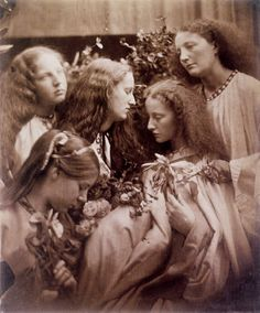 "by photographer Julia Margaret Cameron, called ""The Rose-Bud Garden of Girls"".Julia M. Cameron was fascinated w/ the Pre-Raphaelites> Julia Margaret Cameron Photography, Julia Cameron, Vintage Photographs, Vintage Photos, Vintage Portrait, Old Pictures, Old Photos, Film Movie, Marie Prevost"