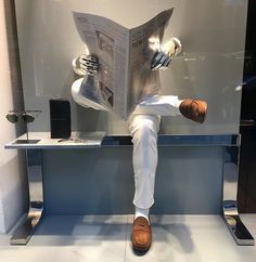 """TOD'S, London, UK, """"Asked a friend for a newspaper. He told me to get with the times, and handed me his iPad. That fly never saw it coming!"""", photo by Window Shoppings, pinned by Ton van der Veer"""